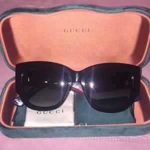 GUCCI SENSUAL ROMANTIC GG0276S SUNGLASSES